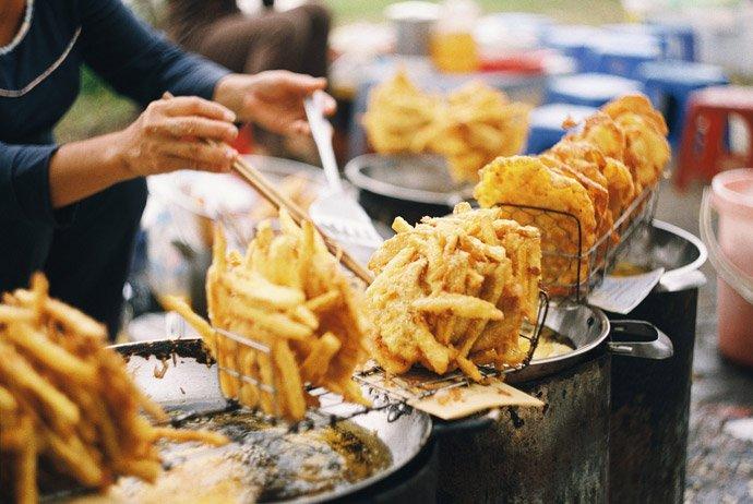 banh-khoai-banh-chuoi-vietnam-street-food